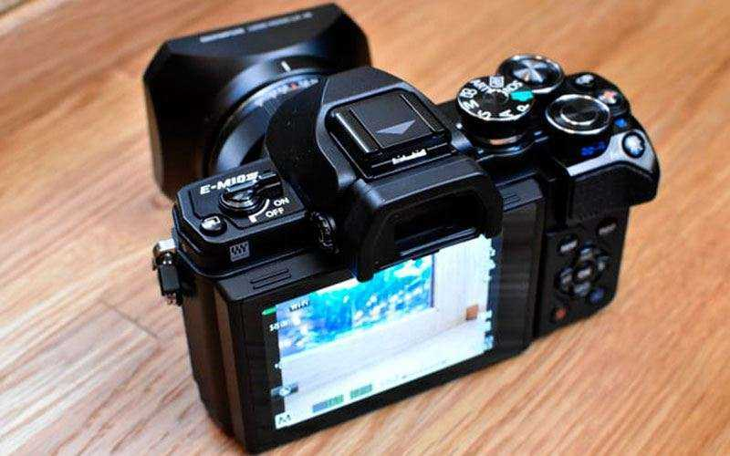 Фотоаппарат Olympus OM-D E-M10 Mark III