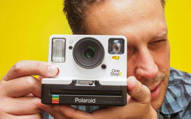 Polaroid возвращается с новой камерой мгновенной фотографии OneStep 2