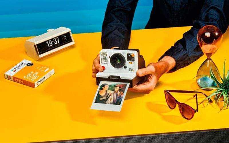 Polaroid возвращается с камерой мгновенной фотографии OneStep 2