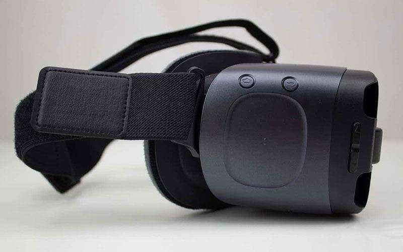 Samsung Gear VR 2017 сбоку