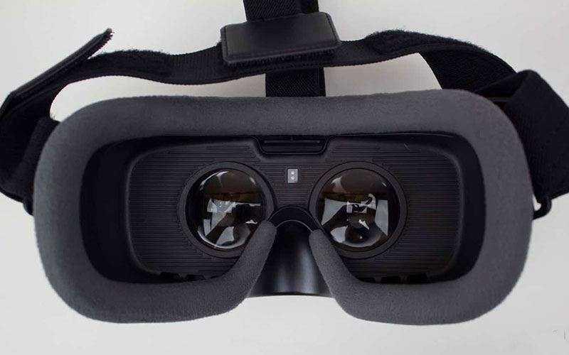 Дизайн Samsung Gear VR 2017