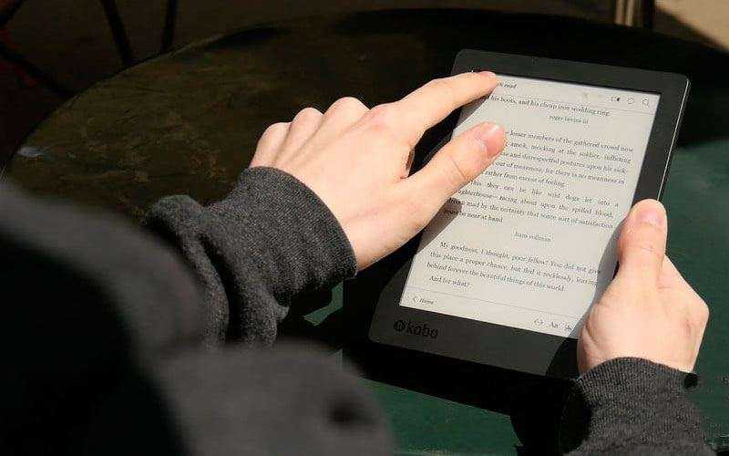 Обзор Kobo Aura H2O Edition 2 — Обновлённой и популярной электронной читалки