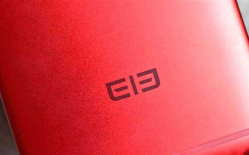 Elephone P8 сзади