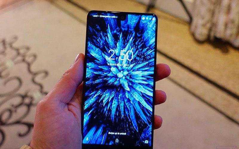 Экран Essential Phone