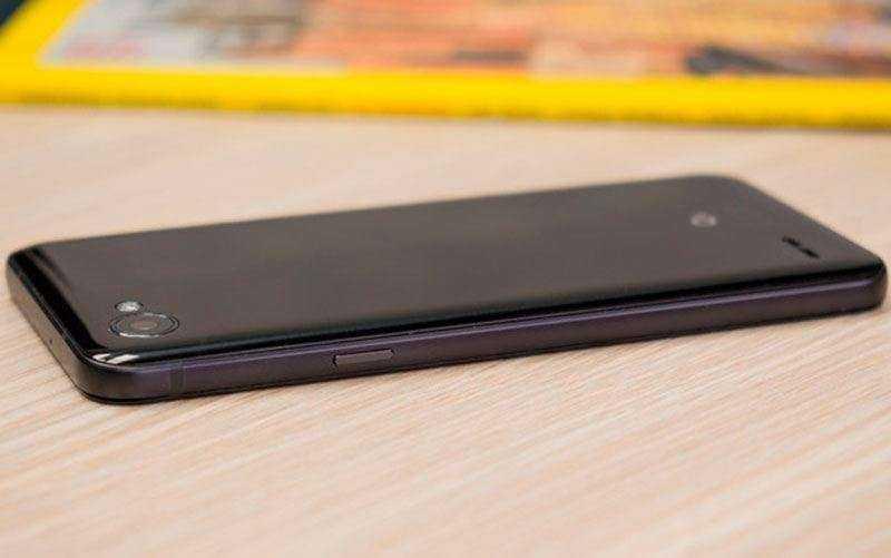 Бюджетный телефон LG Q6