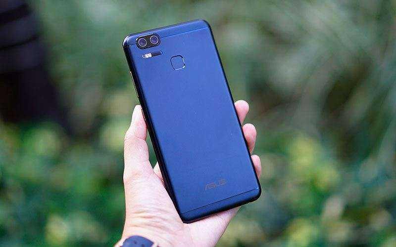 Asus ZenFone 3 Zoom сзади