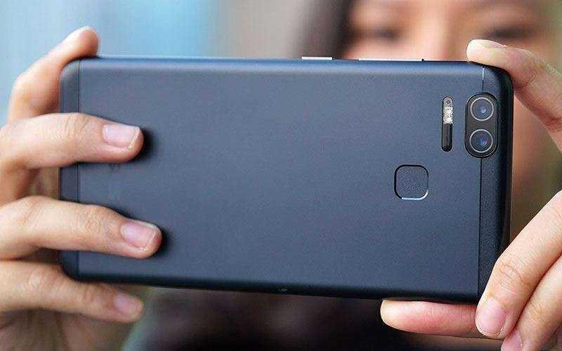Телефон Asus ZenFone 3 Zoom