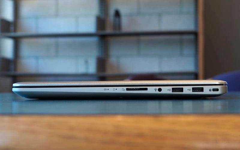 Порты Asus VivoBook Pro N580 справа