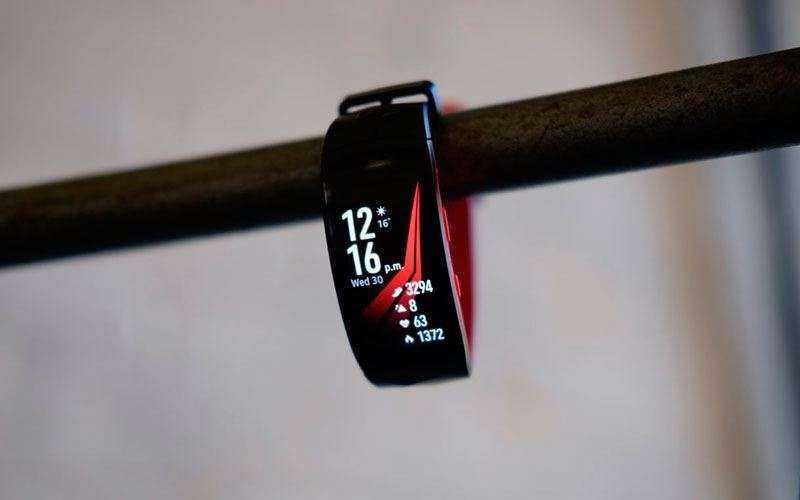 Обновлённый фитнес-трекер Gear Fit 2 Pro — Отзывы