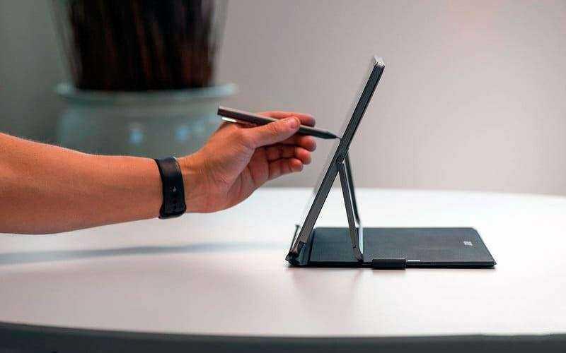 Сенсорный экран Acer Switch 3