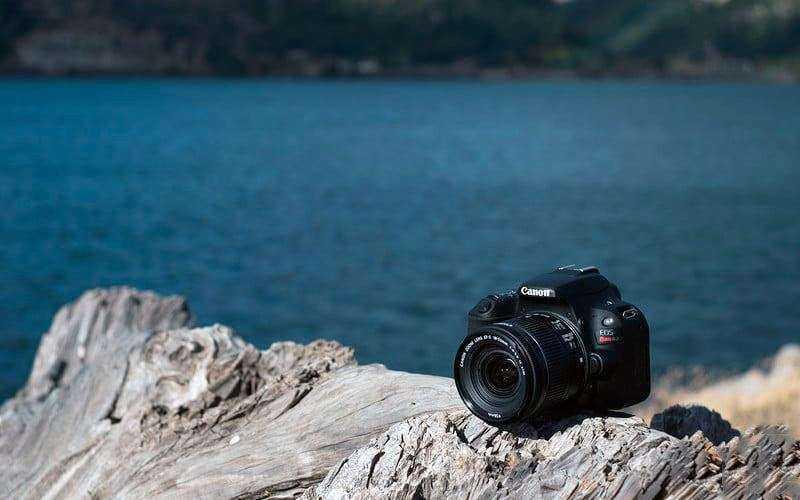 Дизайн Canon EOS Rebel SL2