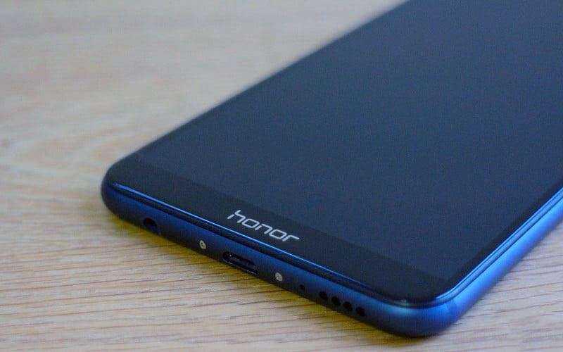 Дизайн Huawei Honor 7X