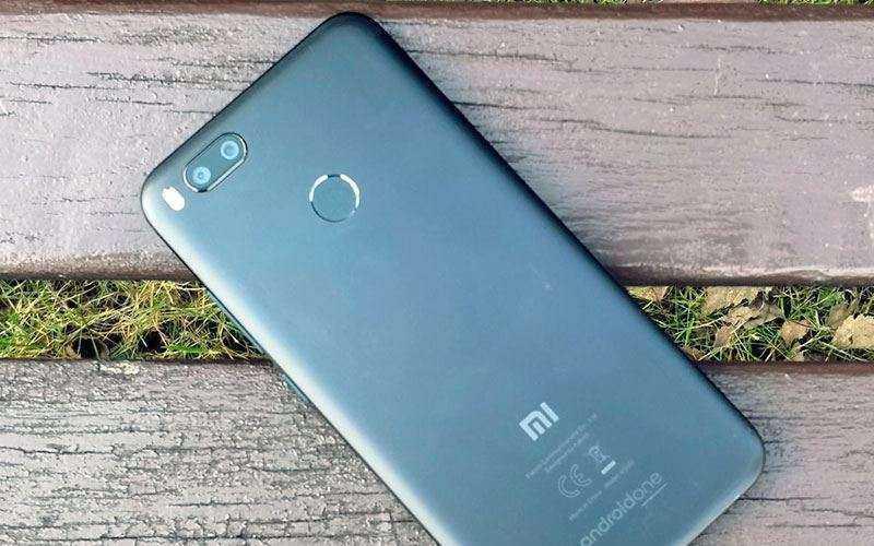 Стоит ли покупать Xiaomi Mi A1?