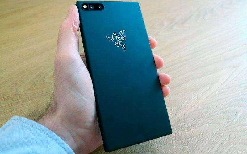 Дизайн Razer Phone