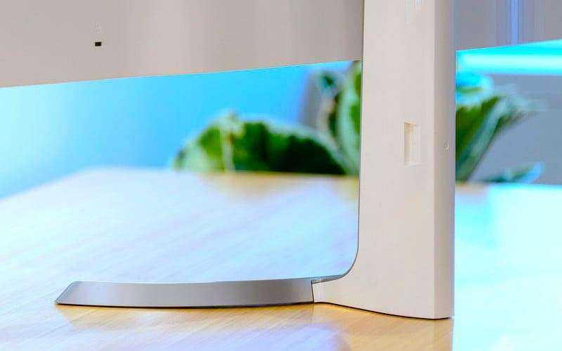 LG 32UD99-W обзор