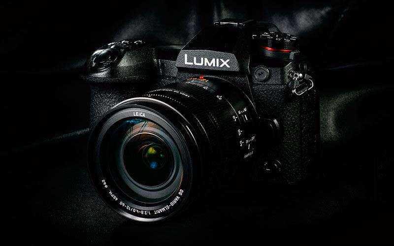 Серийная съмеа Panasonic Lumix G9