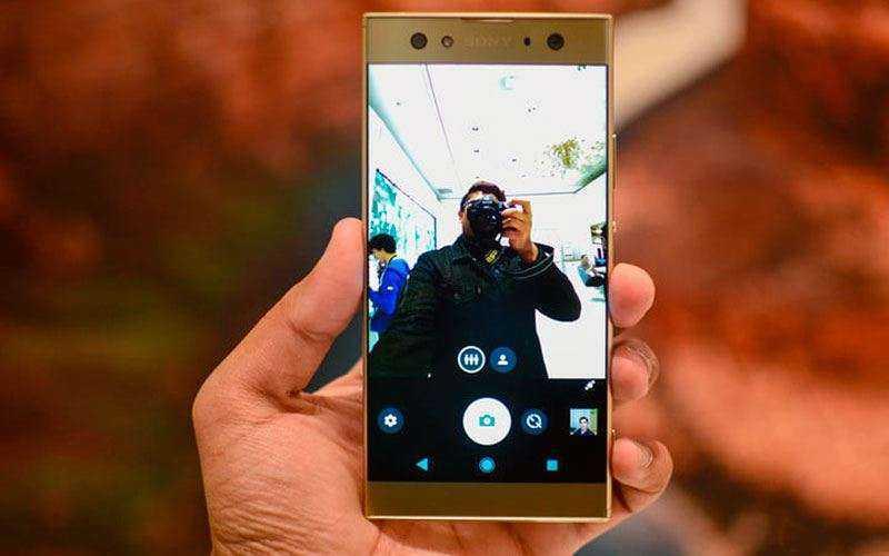Камеры Sony Xperia XA2 Ultra и Motorola Moto X4