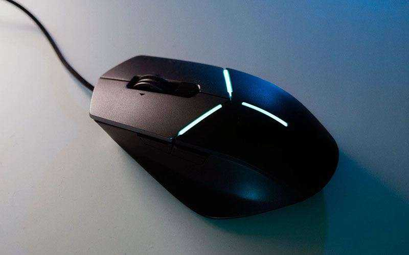 Дизайн Alienware Advanced AW558