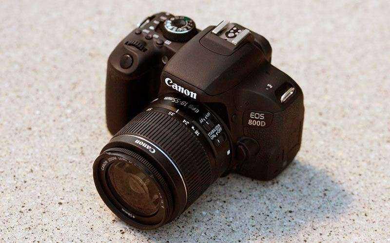 Canon EOS 800D фотокамера