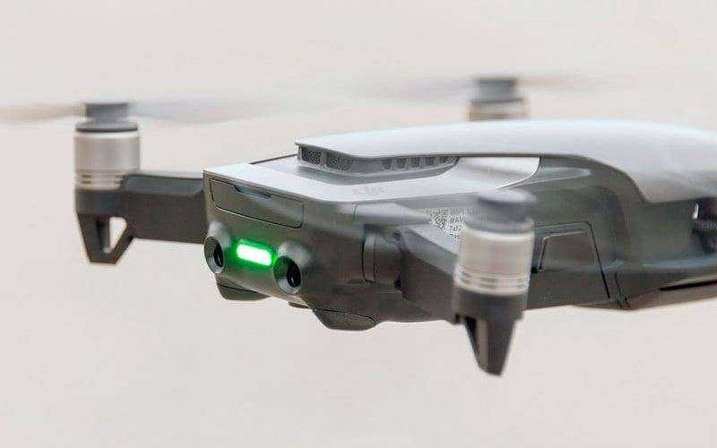 DJI Mavic Air в полёте