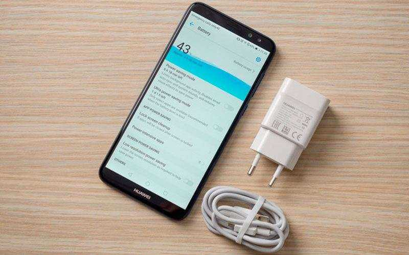 Батарея Huawei Mate 10 Lite и зарядка