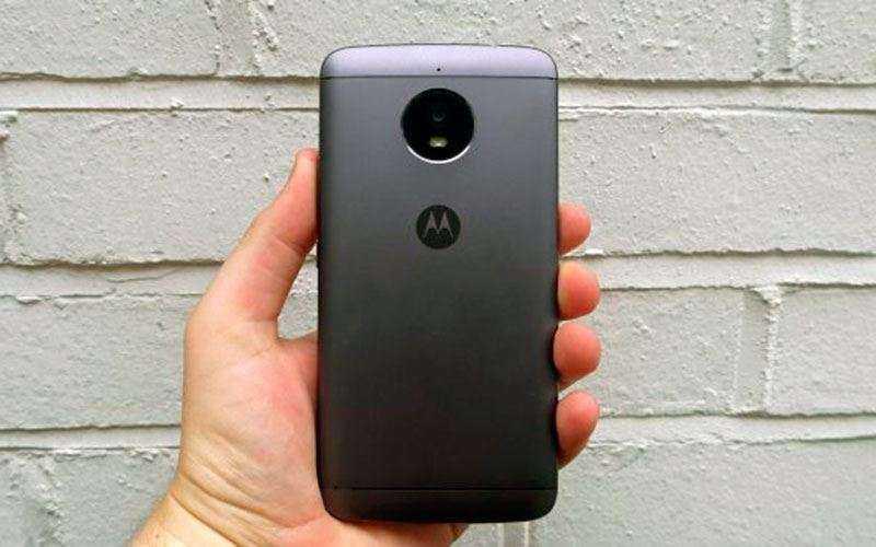 Дизайн Moto E4 Plus