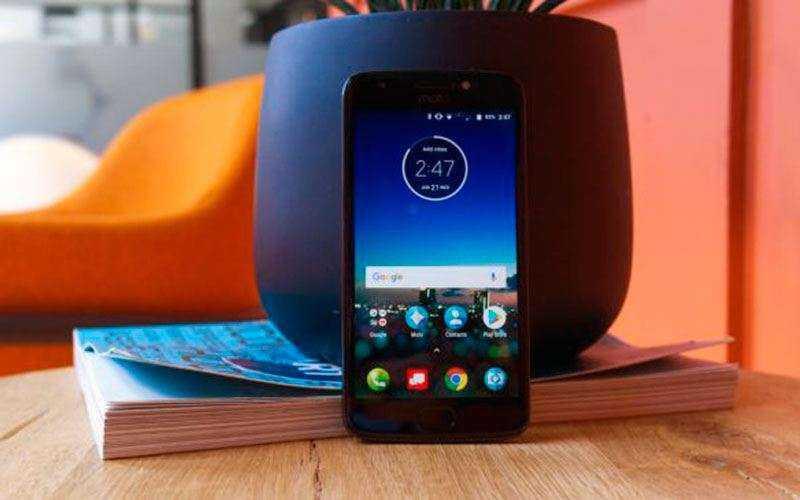 Moto E4 Plus экран