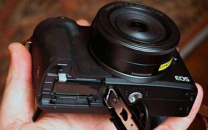 Батарея Canon EOS M50