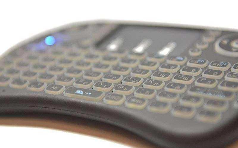 Обзор Invin i8 — Беспроводная клавиатура с подсветкой для Android, Windows, Mac OS, Linux и SmartTV