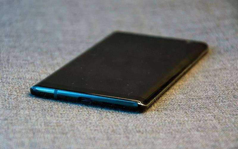 Спецификации Nokia 8 Sirocco