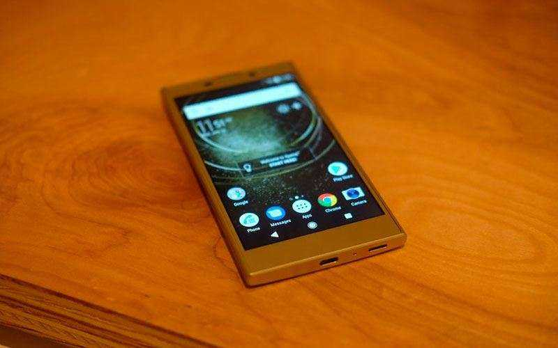 Мультимедиа Sony Xperia L2