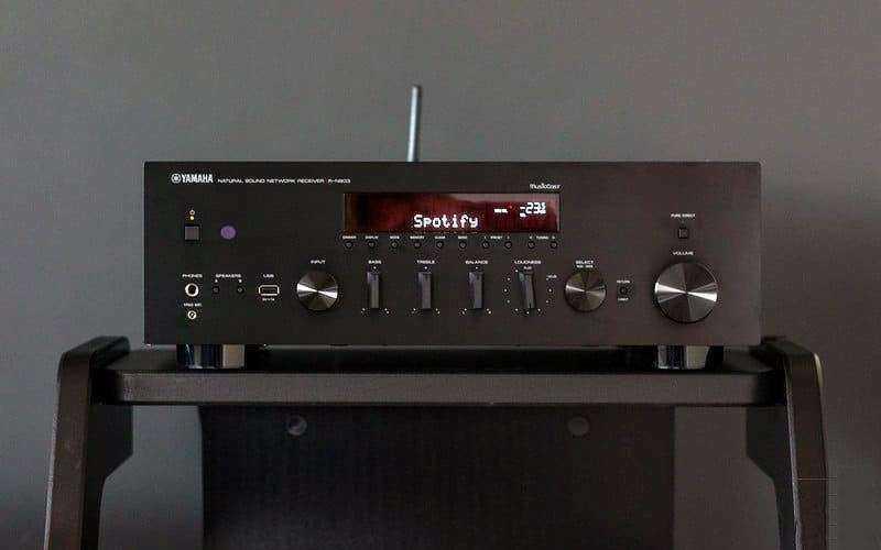 Обзор Yamaha R-N803 — Функциональный Hi-Fi-ресивер за разумную цену