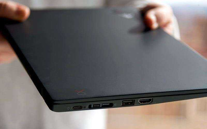Lenovo ThinkPad X1 Carbon (2018) — Обзор обновлённого бизнес-ноутбука спереди и сзади