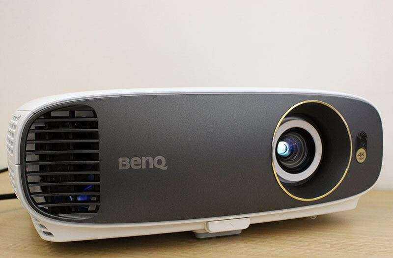 BenQ W1700 — Обзор 4K HDR проектора по цене хорошего телевизора