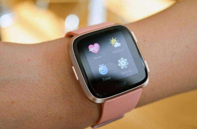 Часы Fitbit Versa
