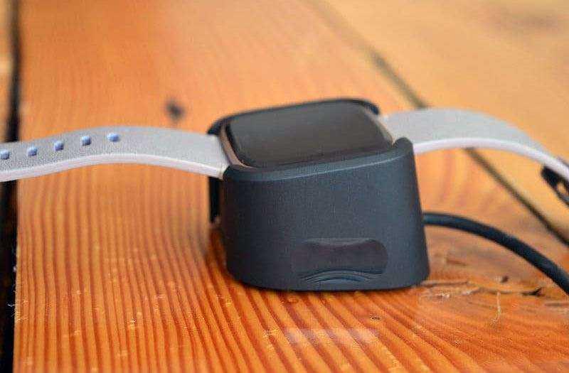 Fitbit Versa обзор