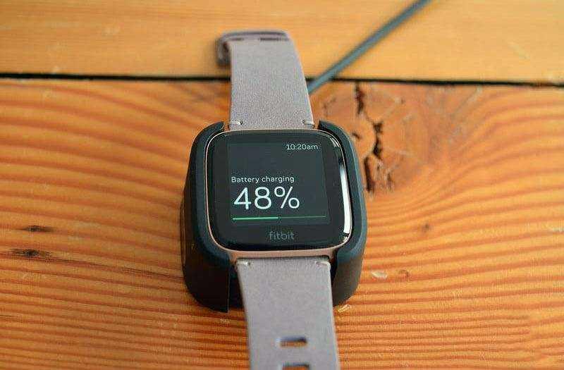 Время работы Fitbit Versa