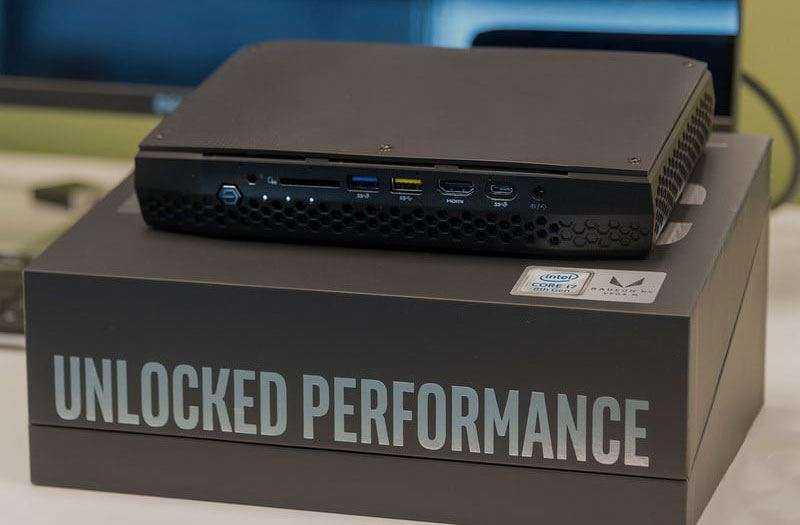 Intel Hades Canyon NUC8i7HVK  из коробки