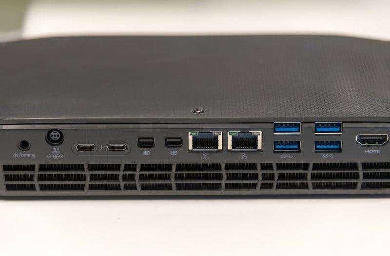 Порты Intel Hades Canyon NUC8i7HVK