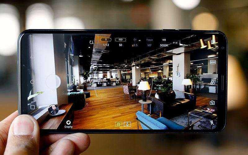 Фото LG V30S ThinQ