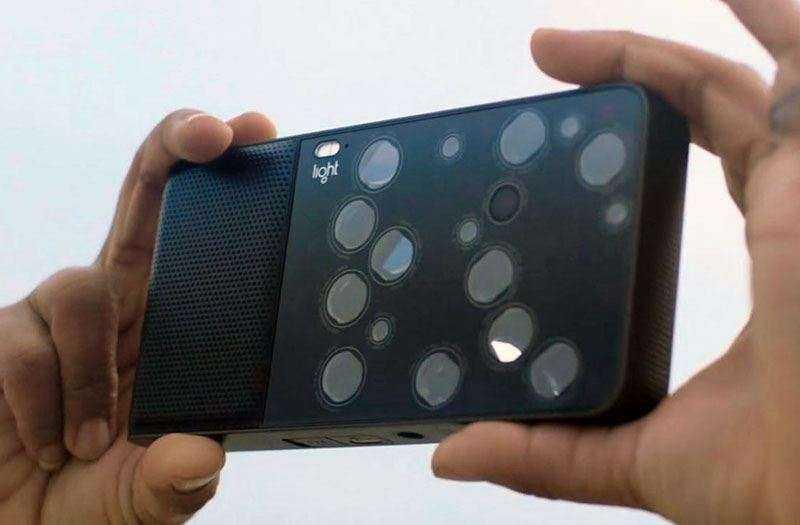 Обзор камеры Light L16, с 16 объективами и новыми технологиями