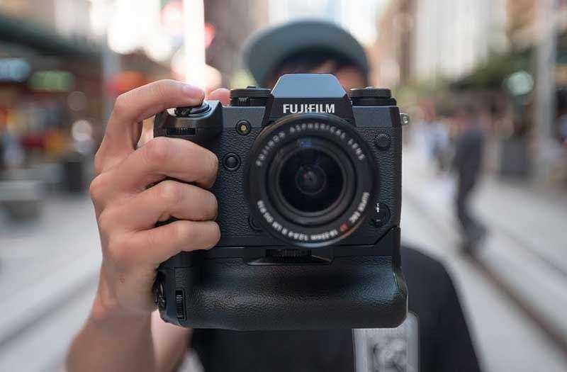 Эргономика Fujifilm X-H1