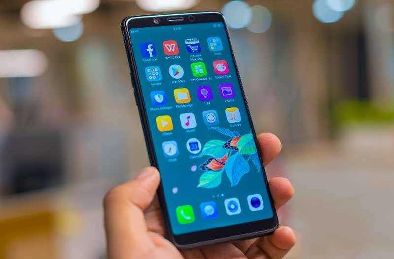 Связь и дополнения в Oppo Realme 1