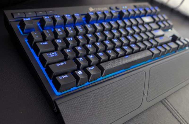 Платформа для запястья Corsair K63 Wireless