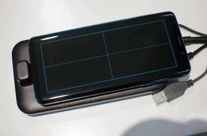 Панель Samsung DeX Pad