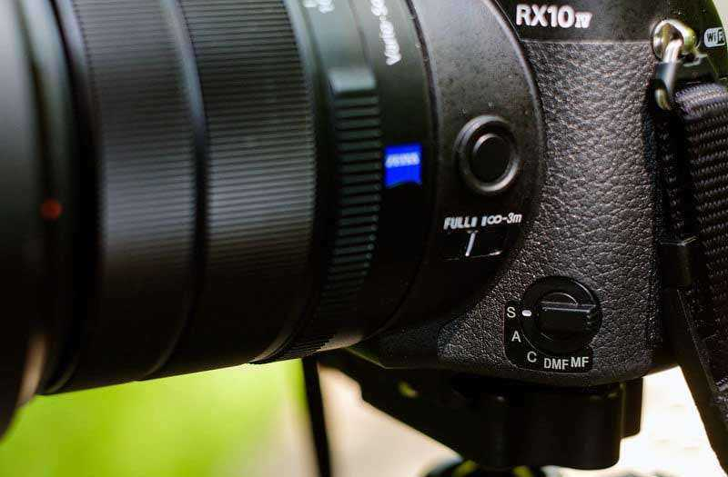 Сравнение Sony RX10 Mark IV