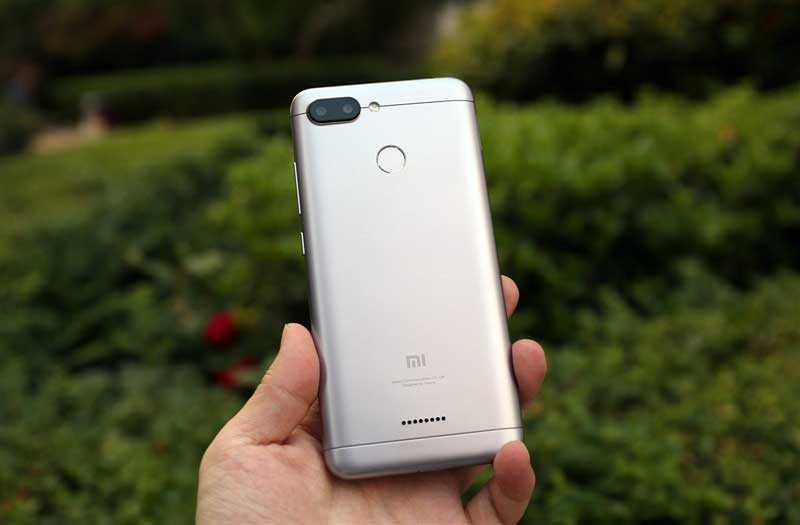 Xiaomi Redmi 6 сзади
