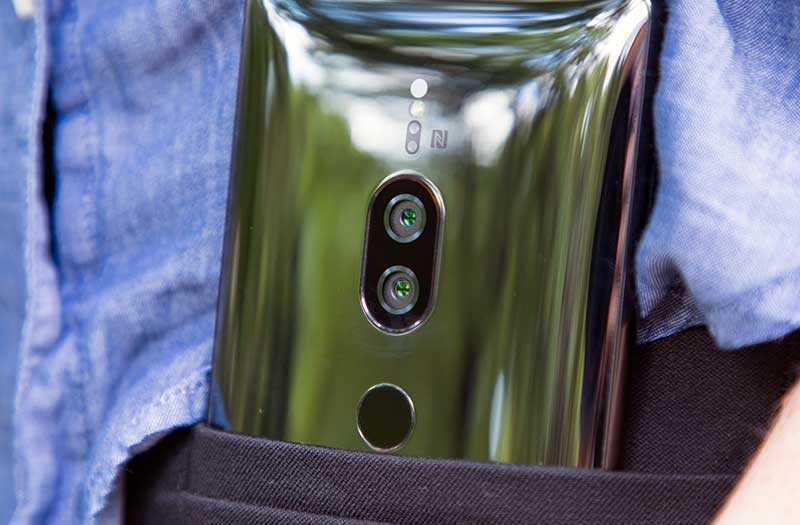 Sony Xperia XZ2 Premium отзывы