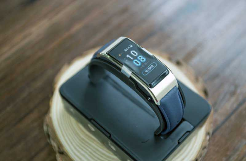 Huawei Talkband B5 дизайн