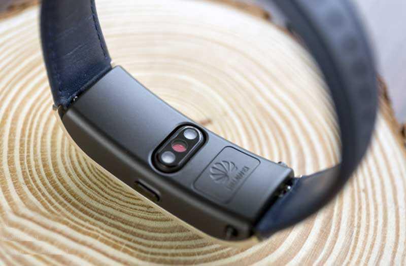 Отслеживание данных Huawei Talkband B5